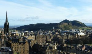 Arthur's_Seat_from_Edinburgh_Castle