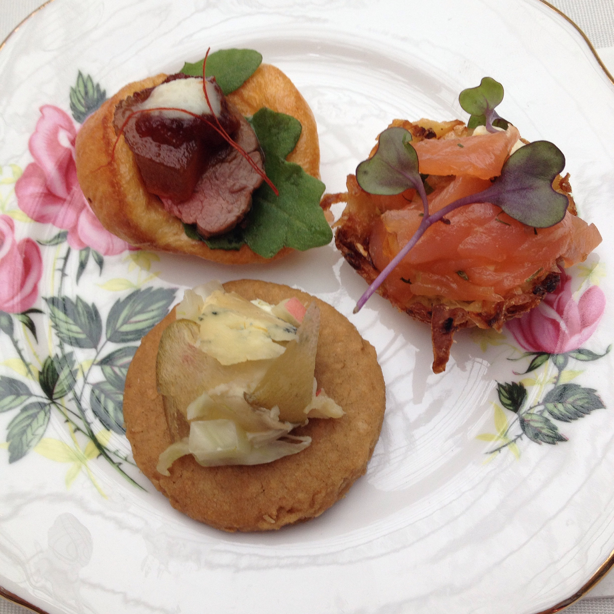 Tea cake and canap s thistles and kiwis for Roast beef canape