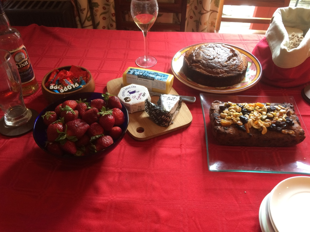 Cakes, strawberries, cheese